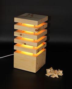 Die Holzglanz Zirbenlampen, im schlichten eleganten Design, wurden entwickelt, um nicht nur eine angenehme Atmosphäre, sondern auch um ein wohltuendes Wohnklima zu schaffen. Bereits die geringe Wärmeabgabe des Leuchtkörpers reicht aus, damit das Zirbenholz seinen angenehmen und beruhigenden Duft freigibt. Ein elegantes zeitloses Design, passend für jeden Raum. Ein absoluter Hingucker für jedermann.  Netzbetrieben mit einem wechselbaren LED Spot (230V) Gefertigt in reiner Handarbeit in… Led Spots, Lighting, Design, Home Decor, Environment, Light Fixtures, Light In The Dark, Bedside Lamp, Decoration Home