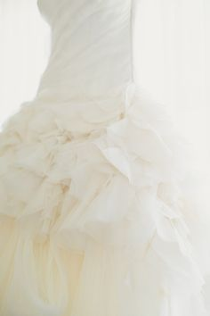 In love with this fluffy wedding dress: http://www.stylemepretty.com/texas-weddings/dallas/2013/11/19/dallas-wedding-from-shaun-menary-photography-caroline-events/ | Photography: Shaun Menary - http://shaunmenary.com/
