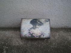 Drevená krabička - truhlica vo vintage štýle