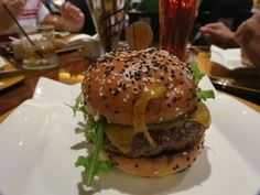 Smoky Pork Sliders with BBQ Sauce - Gordon Ramsay Gordon Ramsay Dishes, Gordon Ramsay Youtube, Chef Gordon Ramsey, Best Burger Recipe, Pork Sliders, Homemade Hamburgers, Sandwiches, Beef Wellington, Burger Buns