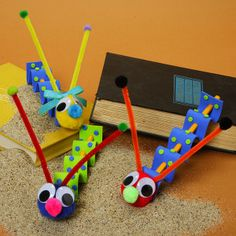 If you've got a few minutes and a sense of humor, make adorable Wacky Wiggly Worms. These quick and easy crafts for kids make perfect back to school crafts because they're made from pencils. They're inexpensive.