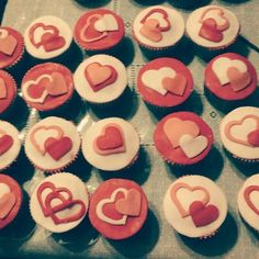 #sanvalentin #chocolate #vainilla #fondant #corazones Fondant, Chocolate, Photo And Video, Desserts, Instagram, Food, Vanilla, Hearts, Tailgate Desserts