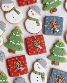 Beyond Retro Christmas Jumpers - Afternoon Crumbs Cute Christmas Cookies, Christmas Biscuits, Christmas Snacks, Iced Cookies, Christmas Cooking, Royal Icing Cookies, Retro Christmas, Holiday Cookies, Cookies Et Biscuits