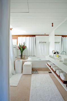 Duas vezes David Bastos em Trancoso: arquiteto constrói e reforma casa de praia