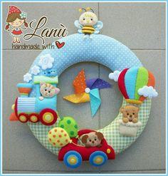 Baby Crafts, Felt Crafts, Fabric Crafts, Diy And Crafts, Felt Wreath, Felt Garland, Baby Kranz, Winnie The Pooh, Felt Name Banner