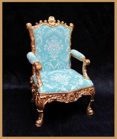 Giltwood Rococo ~ c.1740 Elegant gilded Chair  featuring claw feet, scrolls and Shells. Typical of the Rococo style