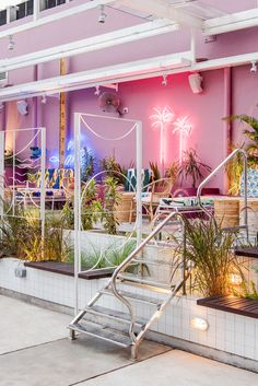 POW ideas captures retro neon style for the swimming club in kuala lumpur Pool Bar, Kuala Lumpur, Cafe Interior, Interior Design, Exposition Photo, Neon Led, Beach Bars, Cafe Design, Kiosk Design