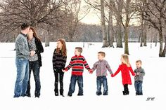 Laura's Photography Fast-Track: Family Portraits ..in the Snow!
