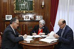 El Gobierno de Navarra y el Ayuntamiento de Pamplona colaborarán para apoyar el emprendimiento en la capital http://www.comunicae.es/nota/el-gobierno-de-navarra-y-el-ayuntamiento-de-1115702/