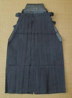 Umanori hakama in grey striped silk