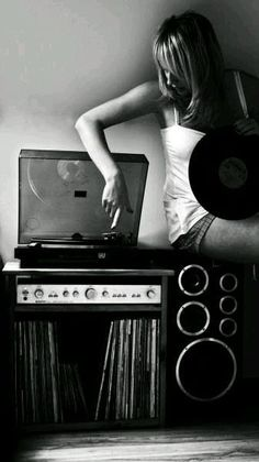 Lps, Jeane Manson, Message Vocal, Photo Vintage, Vinyl Junkies, Record Players, Jolie Photo, Listening To Music, Music Is Life