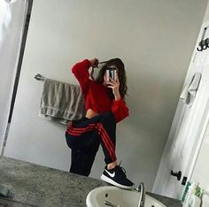 Find images and videos about girl, fashion and style on We Heart It - the app to get lost in what you love. Lazy Outfits, Teenage Outfits, Cute Comfy Outfits, Swag Outfits, Mode Outfits, Trendy Outfits, Girl Outfits, Summer Outfits, Fashion Outfits