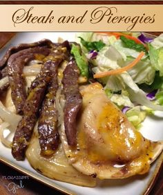 pierogi recipe Florassippi Girl: Steak and Pierogies - A TASTY & budget friendly recipe with everything you love about the flavors of Steak and Potatoes! Ricotta Gnocchi, Kielbasa, Beef Recipes, Cooking Recipes, Beef Meals, Quick Recipes, Eat This, Comfort Food, Pasta