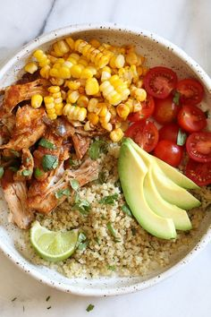 (Instant Pot) Chipotle Chicken Bowls with Cilantro Lime Quinoa (Skinnytaste) - Instapot Recipes - Crockpot Skinny Taste, Poulet Au Chipotle, Healthy Recipes, Cooking Recipes, Recipies, Bread Recipes, Chipotle Chicken Bowl, Chipotle Sauce, Food Dinners