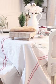 Tisch Landhausstil DIY: How to Make this French Grainsack Inspired Tablecloth - using a drop cloth, painter's tape and paint - via French Country Cottage French Country Kitchens, French Country Cottage, French Country Style, Country Chic, Cottage Style, French Farmhouse, Country Farmhouse, Country Cottages, Country Blue