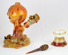 Honey Munny set by Joe Peters x Coyle..... RePin:D> found this on heady HUnter Glass art Gallery> and i really like this one look realistic lol