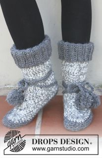 Socks & Slippers - Free knitting patterns and crochet patterns by DROPS Design Knit Or Crochet, Crochet Crafts, Crochet Baby, Crochet Projects, Hand Crochet, Crochet Slipper Boots, Knitted Slippers, Booties Crochet, Crochet Slipper Pattern