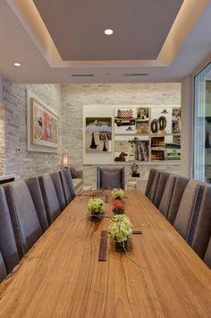 faux plafond lumineux, salle de déjeuner spectaculaire