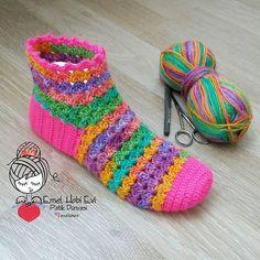 Billedresultat for emel hobi evi Crochet Ripple, Filet Crochet, Double Crochet, Crochet Stitches, Knit Crochet, Crochet Patterns, Sock Crafts, Crochet Crafts, Crochet Projects