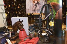 #regalos #navidad #cabezada #espectacular #ecuestre #jinete #amazona Disponible en @totcavall Pedidos whatsApp: 638191092 http://www.totcavall.com