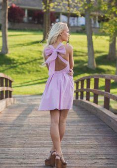 Preppy style #laurenjames #thelivingston #seersuckerdress