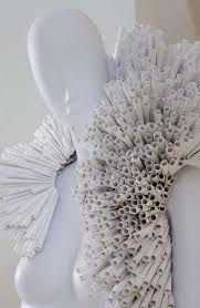 Intricate Paper Frocks paper fashion Pratt Pucci - paper fashion Pratt Pucci Photos 1 – Intricate Paper Frocks pictures, photos, images Source by larissawaiz - Paper Fashion, Arte Fashion, Origami Fashion, Moda Origami, Origami Owl, Paper Clothes, Paper Dresses, Diy Clothes, Image Paper