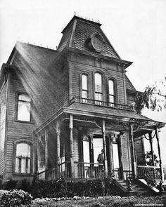 """The ominous """"Psycho"""" house on the back lot at Universal film studios, Hollywood, California."""
