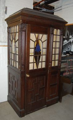 12 Cool and Unusual Phone Booths Around the World – DesignSwan.