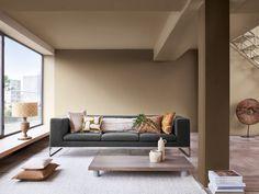 Dit wil je zien: dít is de kleur van het jaar 2021 van Flexa - Roomed Dark Living Rooms, Home And Living, Pantone, Brave, Yoga Studio Design, Farrow And Ball Paint, Paint Brands, New House Plans, Cafe Interior