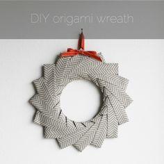 Opplæring i DIY origami krans – paperiaarre Origami Simple, Origami Love, Origami Fish, Useful Origami, Diy Origami, Origami Tutorial, Wreath Tutorial, Origami Folding, Origami 2018