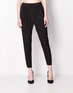 Bershka Colombia - Pantalón Bershka baggy Baggy Trousers, Harem Pants, Pajama Pants, Casual Outfits, Couture, Female, Ecuador, My Style, United Kingdom