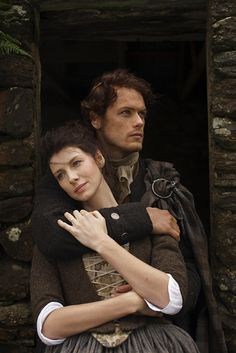 *NEW* 23 Promo Stills of Sam Heughan and Caitriona Balfe as Jamie and Claire from Outlander Season 1 Claire Outlander, Outlander Quotes, Outlander Book Series, Outlander Casting, Sam Heughan Outlander, Fergus Outlander, Outlander Tattoos, Outlander Knitting, Outlander Characters