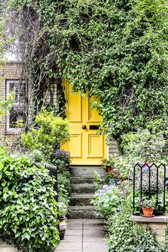 The prettiest doors in London can be found all over the city. This guide will show you where they are and where to find the best of these London doors. Hampstead London, Hampstead Heath, Hampstead Village, Best Places In London, Things To Do In London, London Calling, Living In London, London Location, Yellow Doors