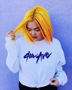 vibrant yellow hair Yellow Hair Color, Green Hair, Purple Hair, Ombre Hair, Flame Hair, Coloured Hair, Hairstyles With Bangs, Haircuts, Hair Videos