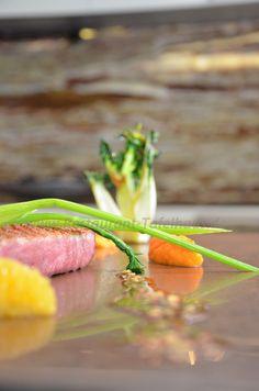 """Entenbrust """"ASIA"""" mit Soja & Honig lackiert auf Karotten-Orangenpüree und confitierten Kumquats"""