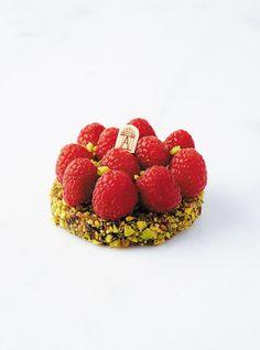 Tarte Framboise-Pistache [Sweet pastry, almond cream with pistachios, pistachio slivers, vanilla cream, fresh raspberries]   Angelina