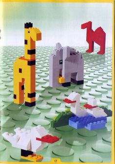 Thousands of complete step-by-step printable older LEGO® instructions for free. Here you can find step by step instructions for most LEGO® sets. Lego Printable Free, Lego Basic, Lego Dinosaur, Lego Challenge, Lego Activities, Lego Construction, Lego For Kids, Lego Minecraft, Lego House