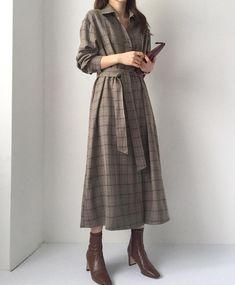 Korean Fashion – How to Dress up Korean Style – Designer Fashion Tips Muslim Fashion, Modest Fashion, Hijab Fashion, Fashion Clothes, Fashion Dresses, Fashion Shoes, Beauty And Fashion, Look Fashion, Fashion Blogger Style