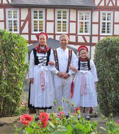 Tracht des Breidenbacher Grundes Untergericht | Trachtenland Hessen #Untergericht