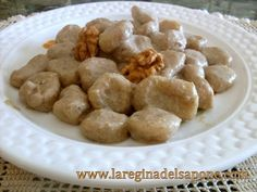 gnocchi di topinambur in salsa di champignon e noci (senza uova)
