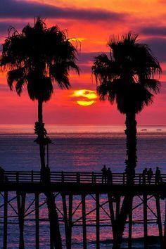 Sunset at the Oceanside Pier in California. https://ExploreTraveler.com