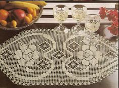 Kira scheme crochet: Scheme crochet no. Filet Crochet Charts, Crochet Diagram, Crochet Motif, Crochet Doilies, Crochet Patterns, Crochet Table Runner, Table Runner Pattern, Crochet Tablecloth, Bonnet Crochet