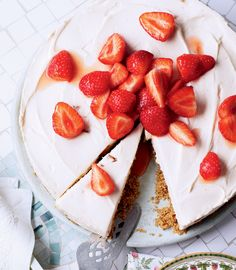 Adding fruits like blueberries, strawberries and gooseberries will make your cheesecake bright and summery.