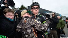 FOTO: Fans en familie in tranen na laatste veldrit van Sven Nys