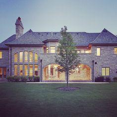 Stone as the star. #stradivaridesign #stone #villa #architecture #luxury