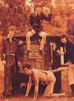 AC/DC www.vinuesavallasycercados.com