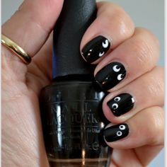 This nail art features a simple yet effective halloween theme in just 2 shades. Recreate this awesome mani with these products for DIY.