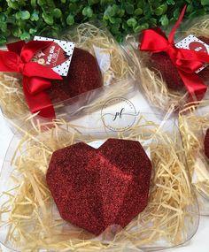 Valentines Baking, Valentine Desserts, Valentine Chocolate, Valentine Cake, Chocolate Hearts, Christmas Chocolate, Chocolate Molds, Chocolate Recipes, Chocolate Covered Treats