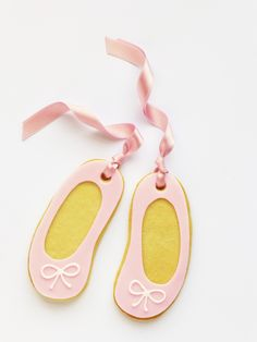 Peaceofcake ♥ Sweet Design: Ballet Slippers Cookies • Bolachas Ballet