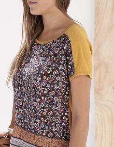 Camiseta bimateria estampado - CAMISETAS - MUJER | Stradivarius Colombia